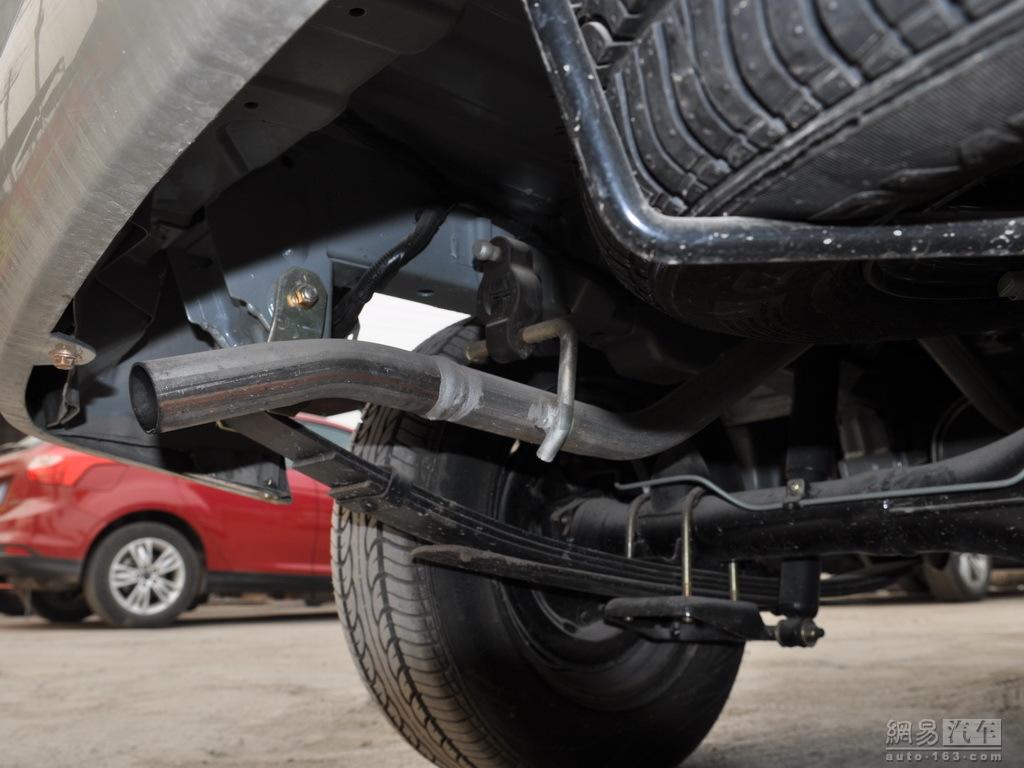 海马汽车福仕达鸿达 2009款 1.0MT超值型 后排气管高清图片